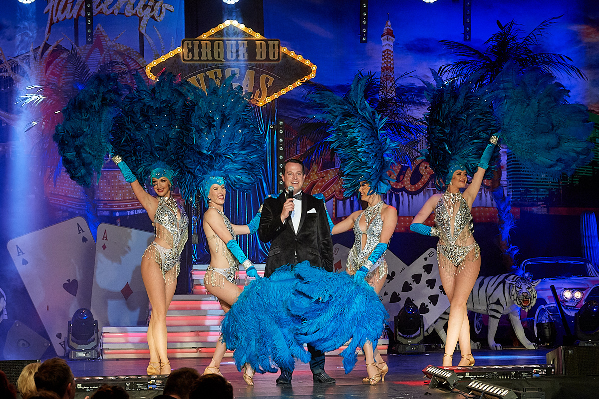 Gregor Glanz and Show Girls